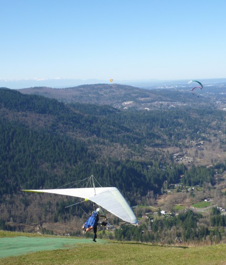 A hang glider at Poo Poo Point